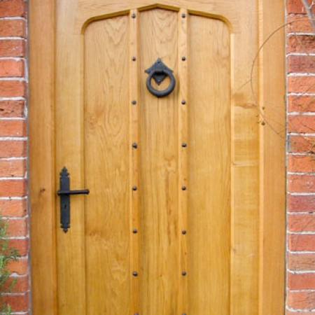 BR01 Gothic Arched Solid Oak Door