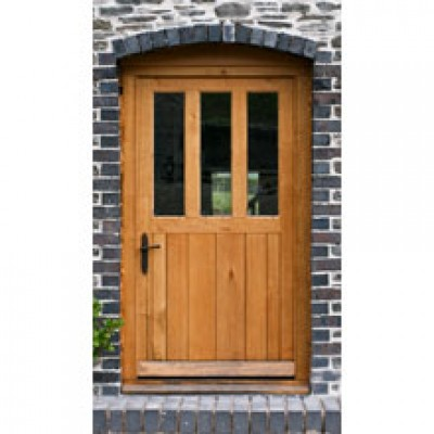 BR07-01 Framed Ledged and Boarded Country House Oak Door with Frame